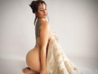 Nicole Powers image