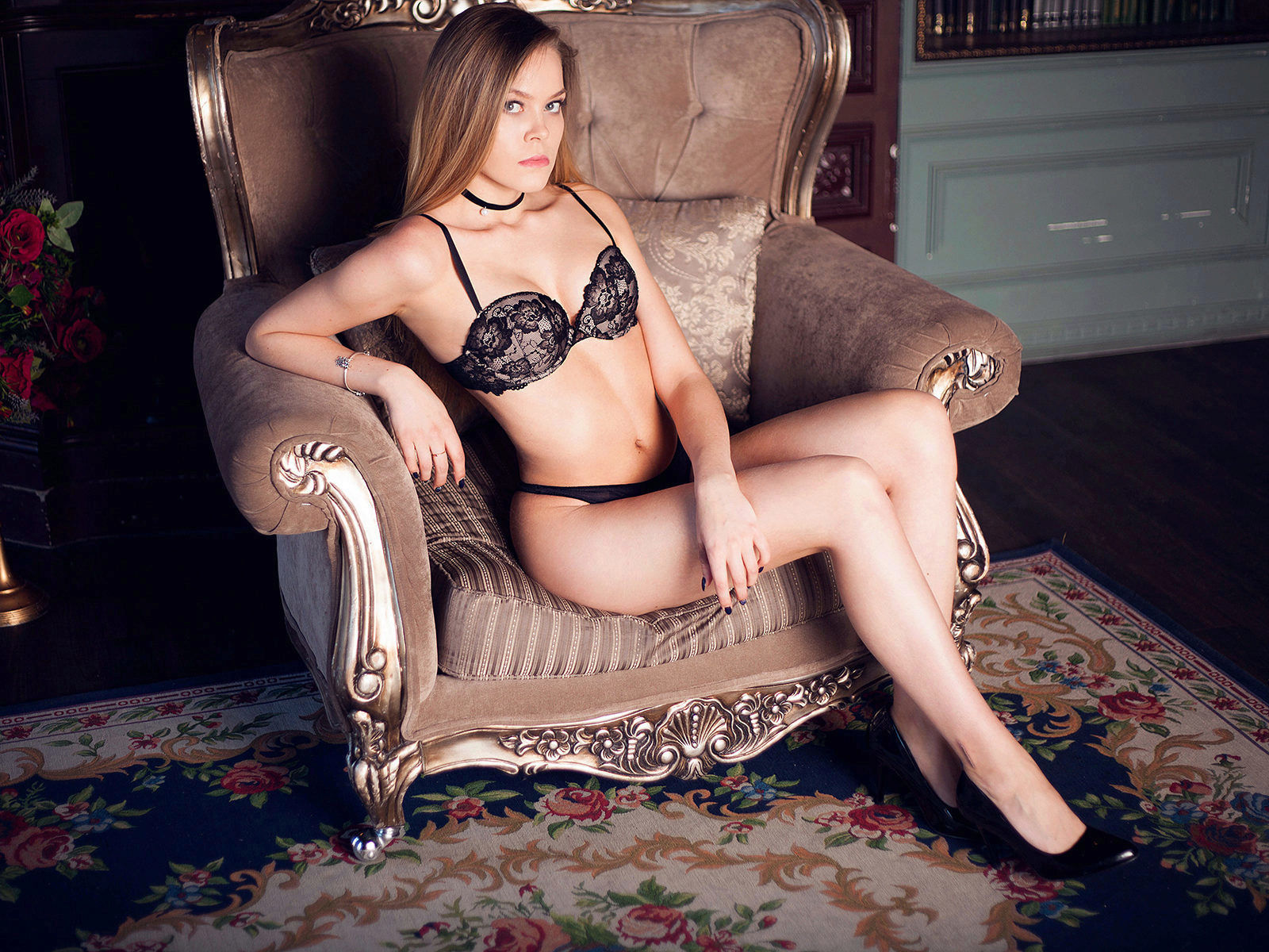 Webcam model Nicole Sun from WebPowerCam