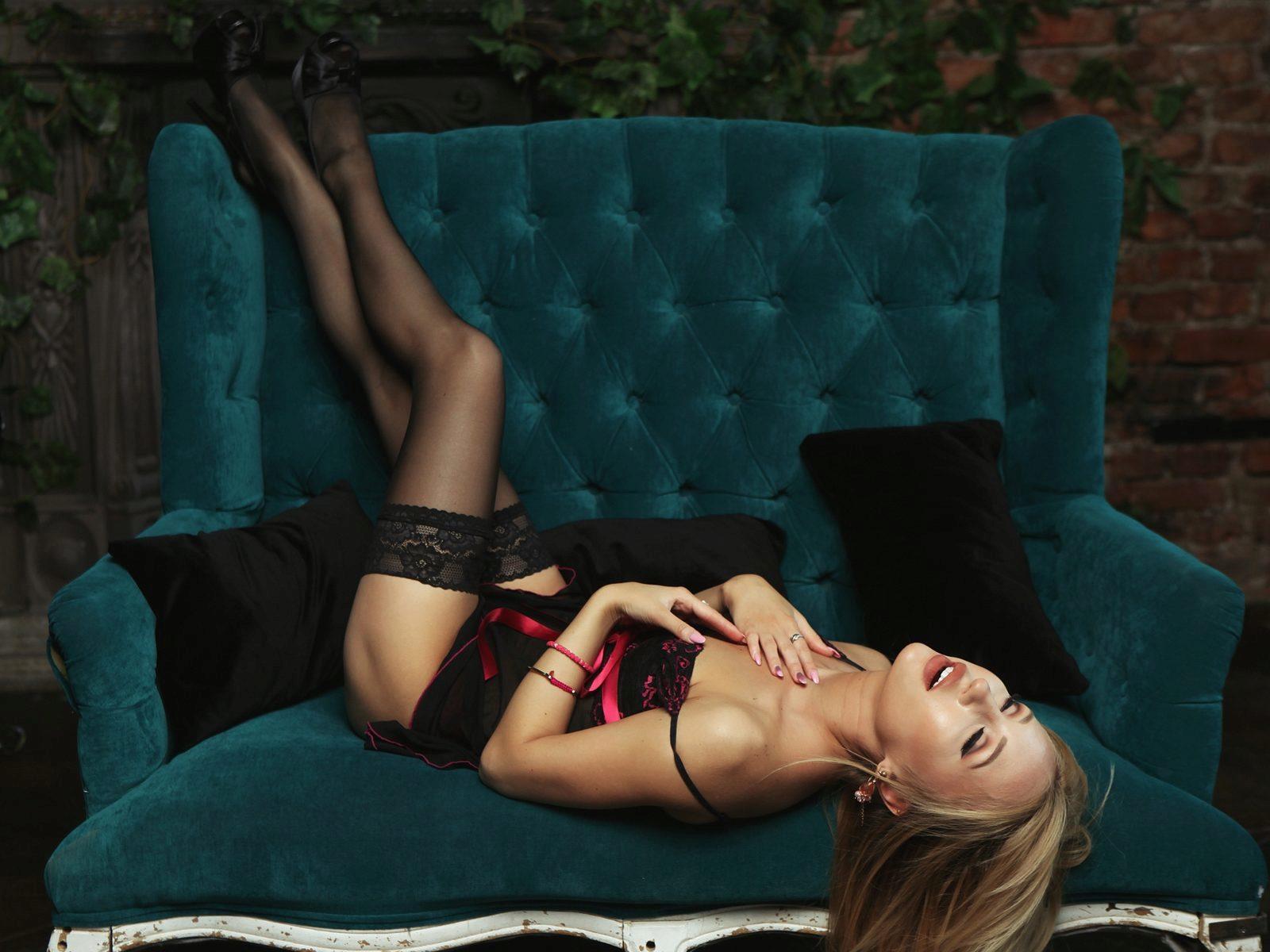 Webcam model Lexi Blond from WebPowerCam