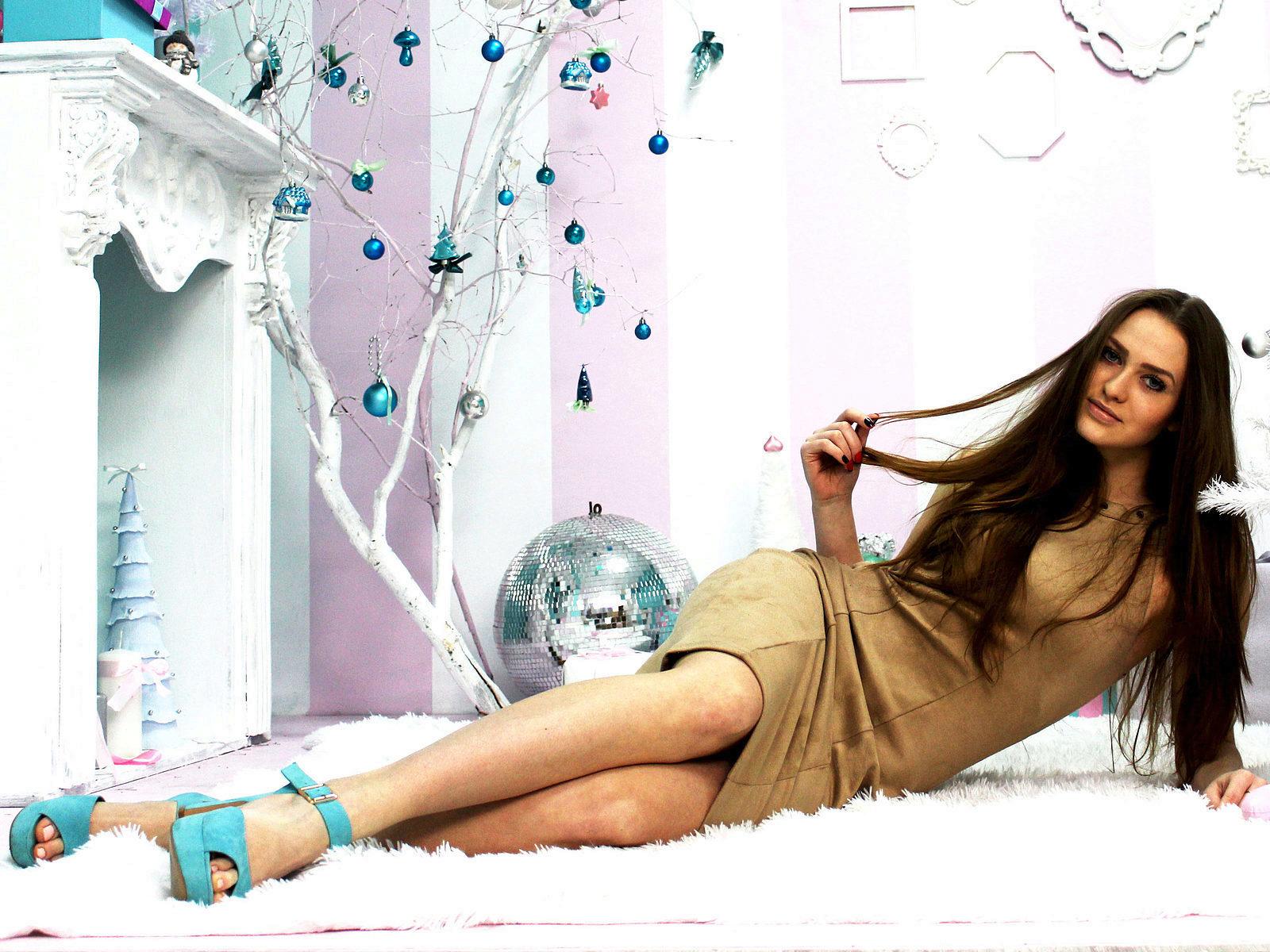 Webcam model Kiara Milling from WebPowerCam