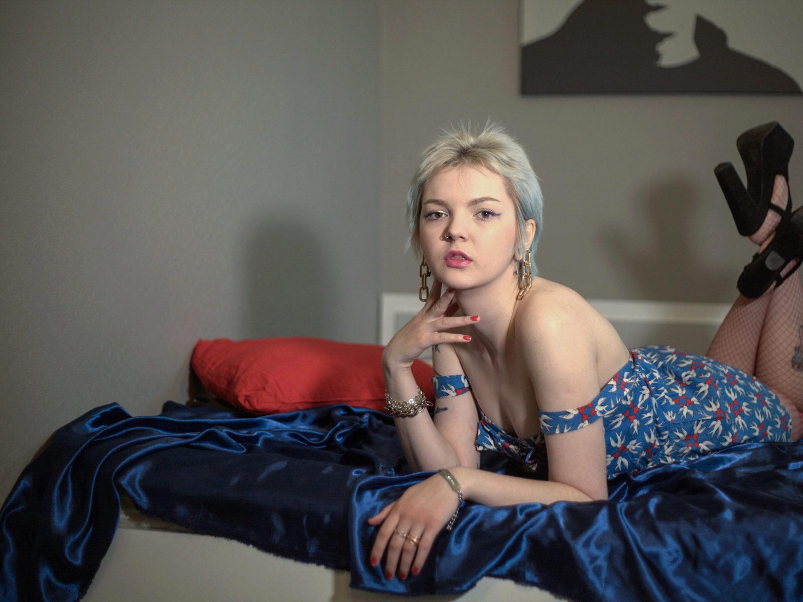 Webcam model Alice Ohfairy from WebPowerCam