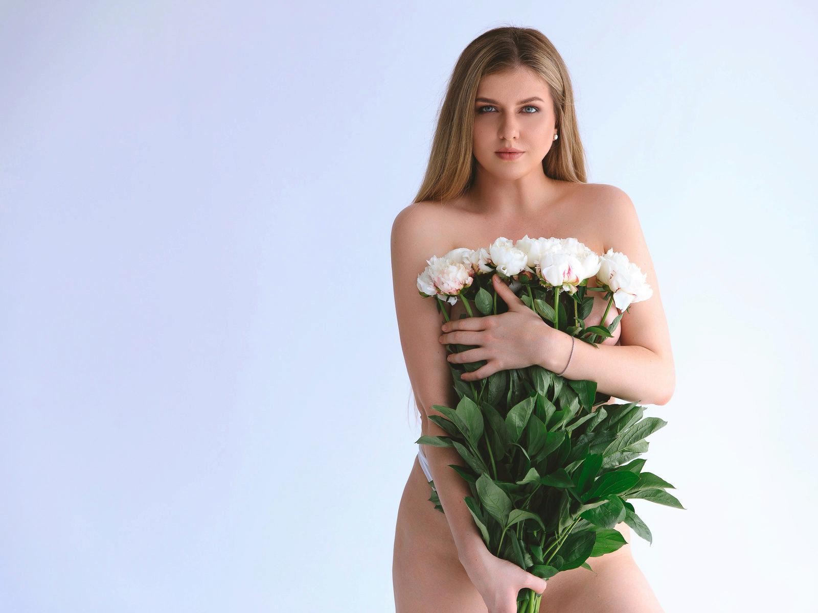 Webcam model Dorothy Stevens from WebPowerCam
