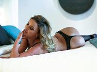 Julia Mendezz
