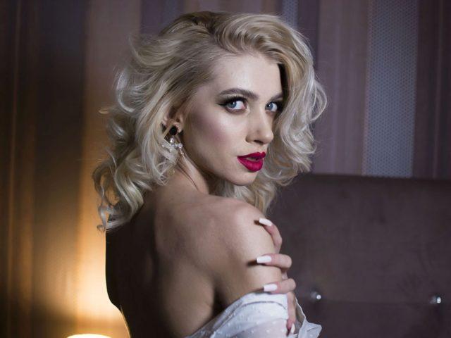 Natasha Bluee