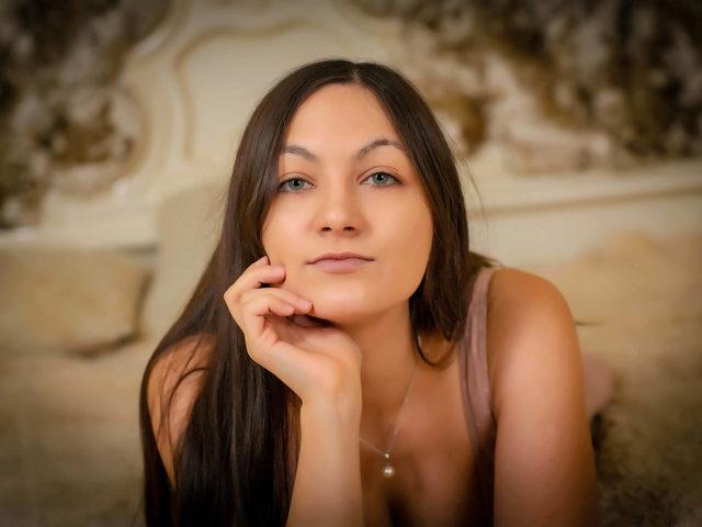 Melinda Swag