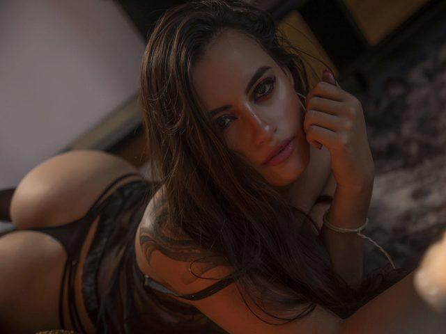 Kaylle Vries