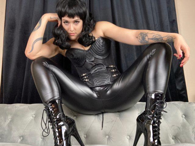 Lilly Black