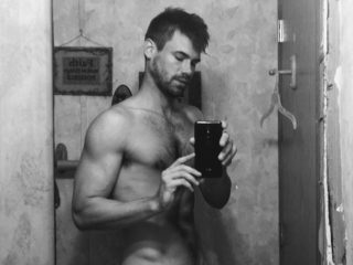 Tyler Grayson image