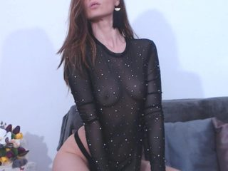 Karina Delux image