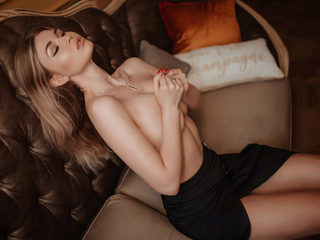 Monika_Millerz Cam