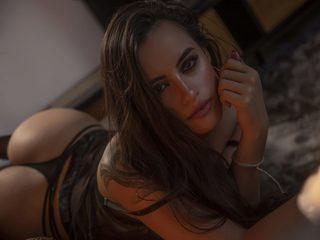 Kaylle Vries image