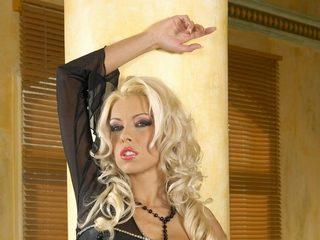 Flirt4Free Nikki_Blondy chat