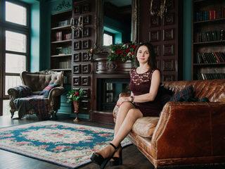 Lora_Charm Room