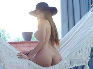 Alexandra_Skies Cam