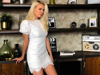 Liliana_Evans Chat
