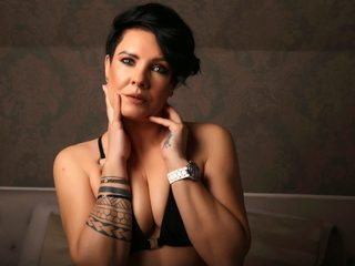 Leyla Clay image