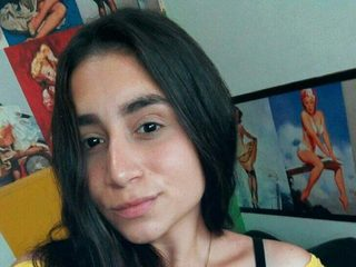 Carolinaa_Brand Chat