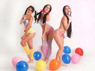 Camila_&_Juanita_&_Cloe Chat