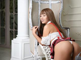 Leena_Sky Room