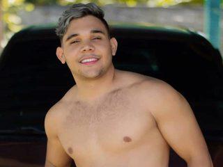 Justin Contreras
