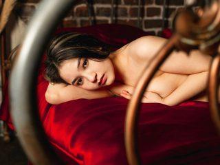 Nikki_Yang Room