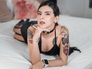 Scarlett Bakerr Live