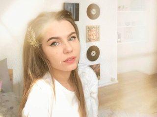 Chloe_Fly Room