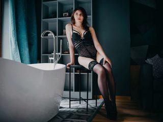 Minnieque_Lee Room
