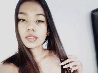 Camila Hurtado Live
