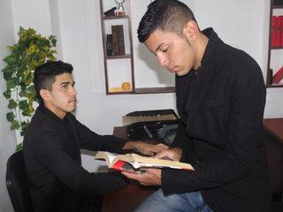 Elvis & Ricardo