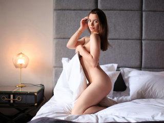 Marielle_Ash Cam