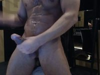 Antonio is Jerking Off and Webcam Show His Gorgious Body